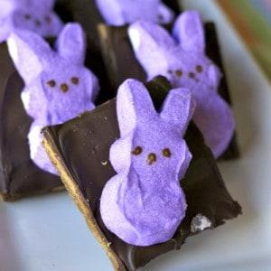Easter S'More Toffee | lemonsforlulu.com