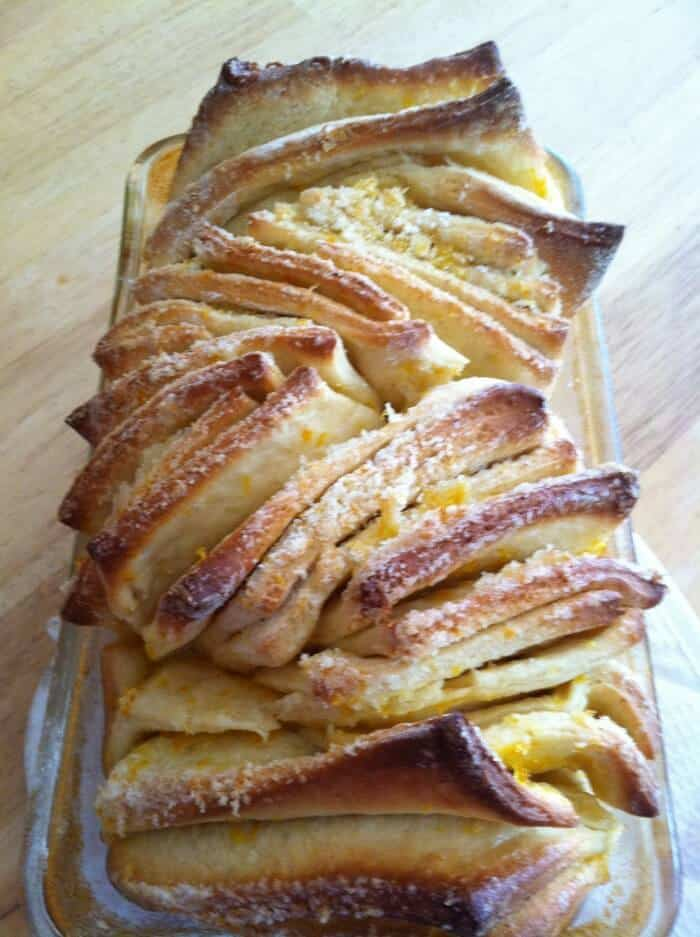 Lemon Pull Apart Bread | lemonsforlulu.com