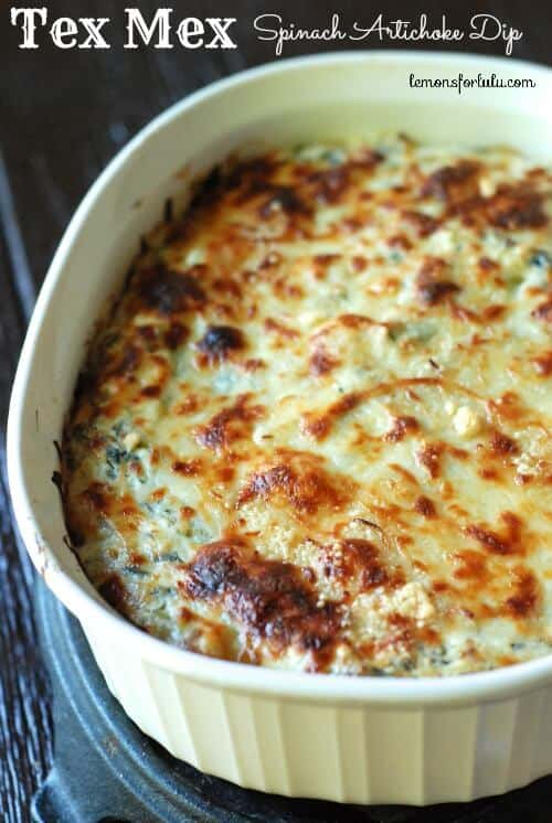 Tex Mex Spinach and Artichoke Dip has a bit of a kick with poblano peppers and jalapeño that have been roasted! Creamy, cheesy and full of flavor! www.lemonsforlulu.com