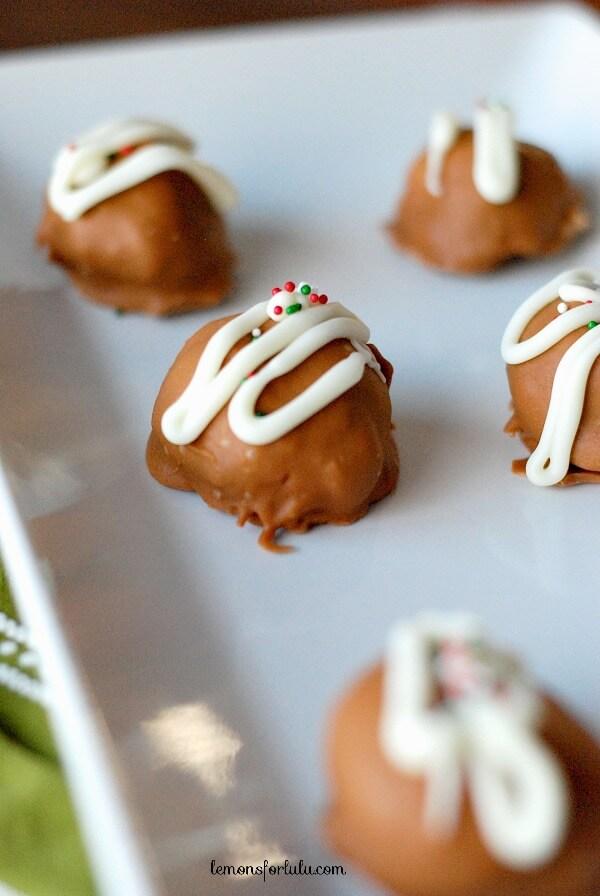 Gingerbread Oreo Cookie Balls www.lemonsforlulu.com