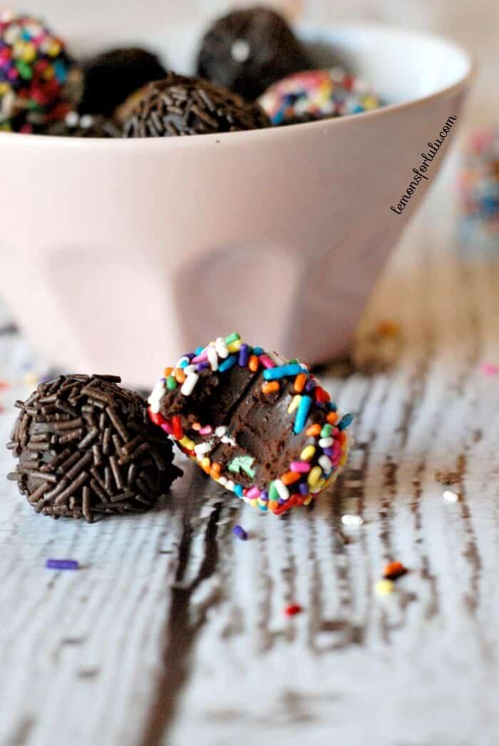 Rich and decadent raspberry mocha chocolate truffles. www.lemonsforlulu.com