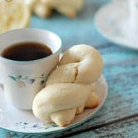 Koularakia {Lemon Greek Easter Cookies}