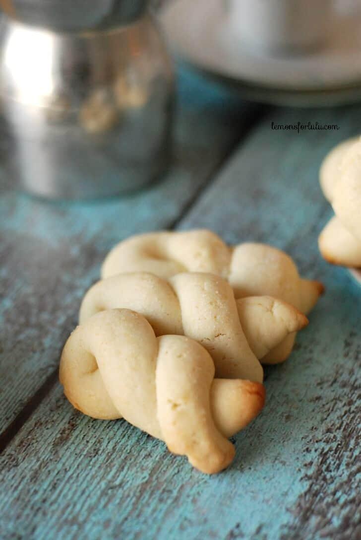 Lemon Greek Easter Cookies, also known as Koularakia. Butter cookies with a hint of lemon! www.lemonsforlulu.com