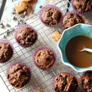 Chocolate muffins with a hint of caramel macchiato: a coffee house favorite! www.lemonsforlulu.com