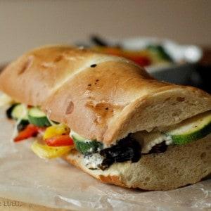 A meatless meal heaven: veggie melt sandwich! www.lemonsforlulu.com