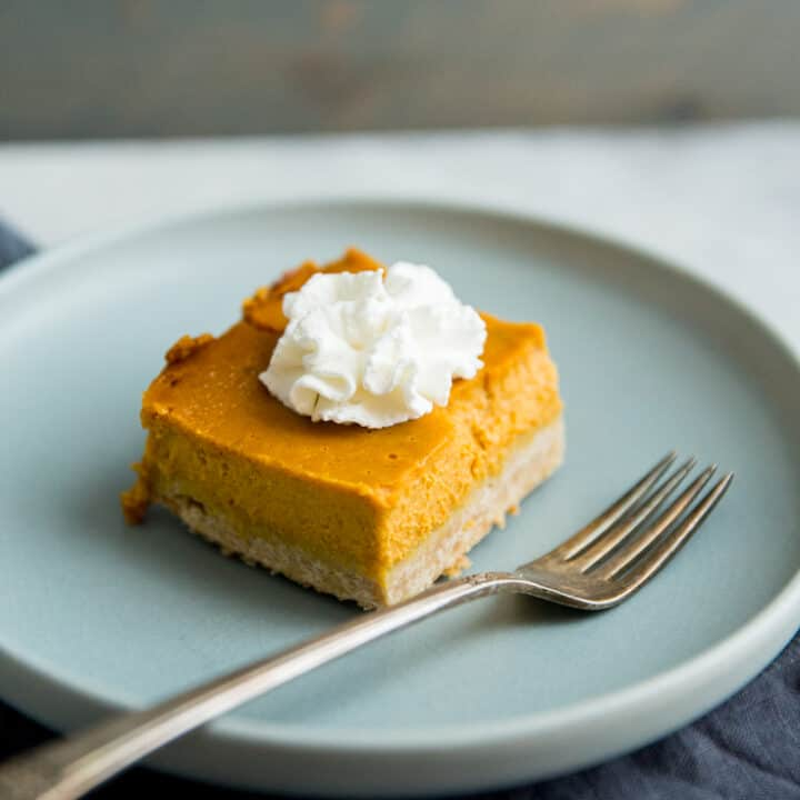 piece of pumpkin pie bars