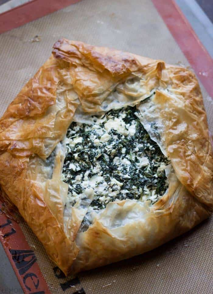 Spanakopita (Quick and Easy) - LemonsforLulu.com