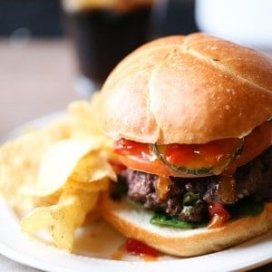 Garlic & Pepper Feta Hamburger Recipe is the juiciest flavor-packed burger you've ever had! lemonsforlulu.com