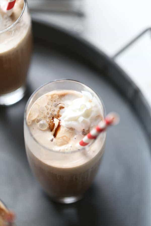 An iced coffee float made with brewed coffee, unsweetened almond milk and coffee ice cream will make any day better! lemonsforlulu.com #ad