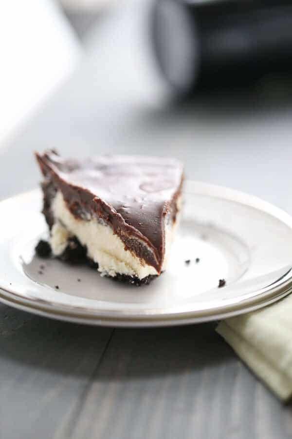 Irish Cream Mint Chocolate Tart is a chocolate lovers dream! Three heavenly layers make a dreamy, booze filled and unforgettable dessert! lemonsforlulu.com