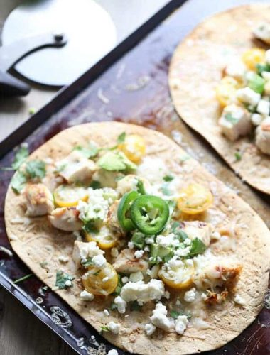 Easy Flatbread Pizza with Tequila Lime Chicken And Fresh Vegetables! lemonsforlulu.com