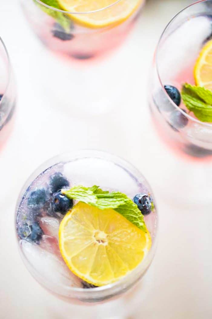 Blueberry Vodka Lemonade - LemonsforLulu com