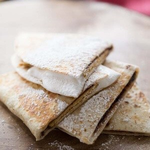 A S'mores recipe turned quesadilla! Fun required but camfire optional! lemonsforlulu.com