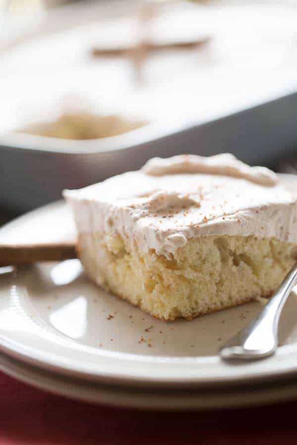 A simple poke cake reminiscent of the classic snickerdoodle cookie! lemonsforlulu.com