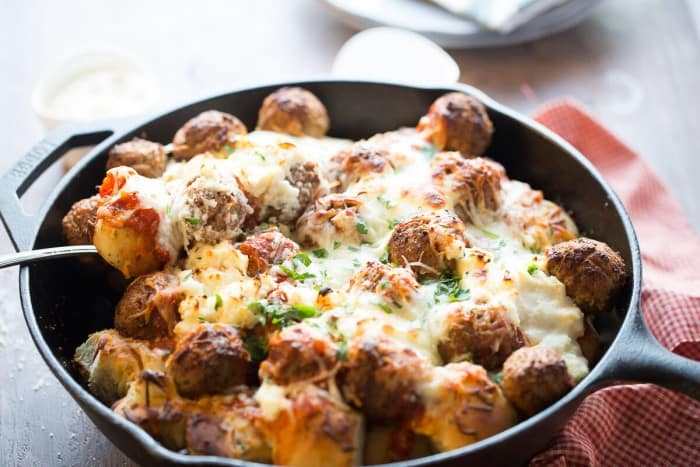Don't want to spend a lot of time but dinner but you want something your family will eat? This Easy Italian Meatball bake is for you