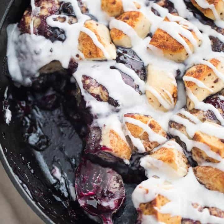 Quick Cinnamon Rolls with Blueberries