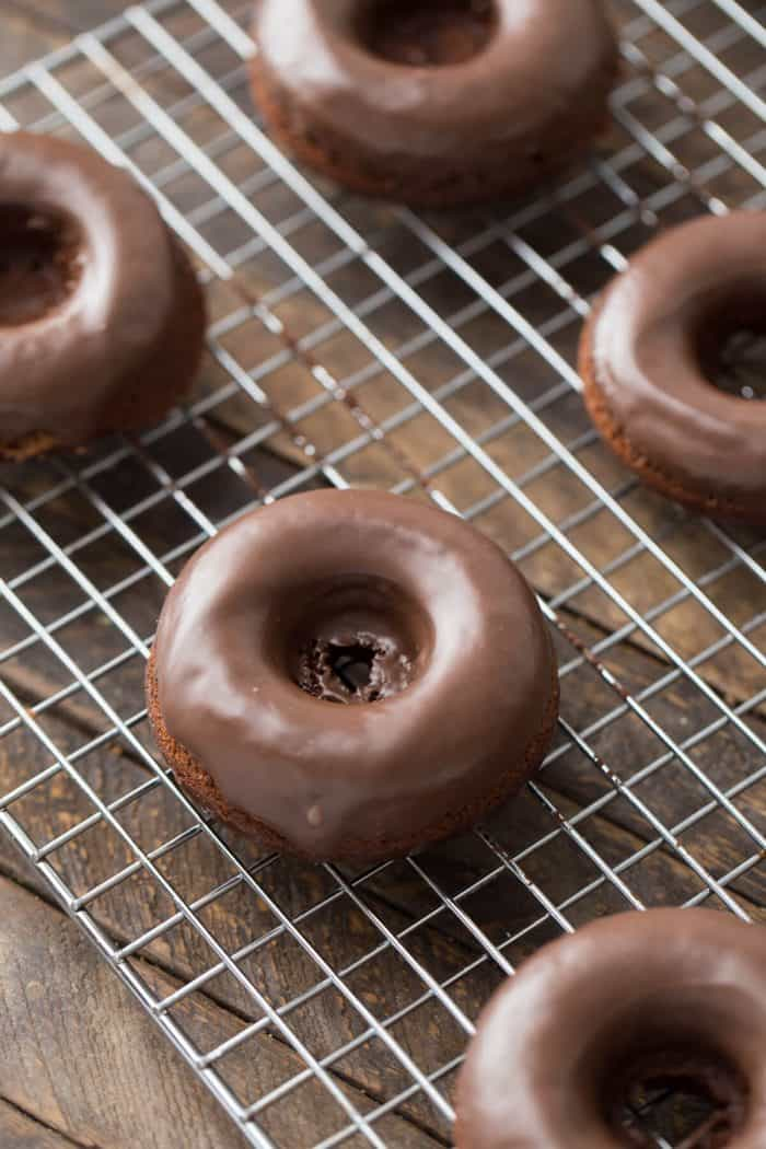 Donuts make the perfect base for these easy buckeye mini cakes!