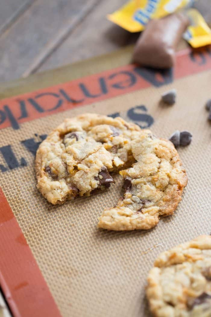 These Butterfinger cookies are the perfect mix of crispy and chewy!