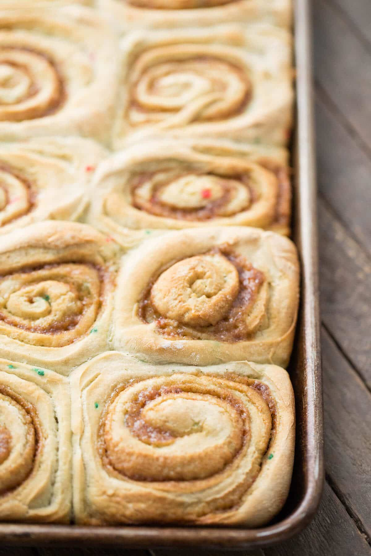 How can cinnamon rolls be better? When they are cake mix cinnamon rolls!