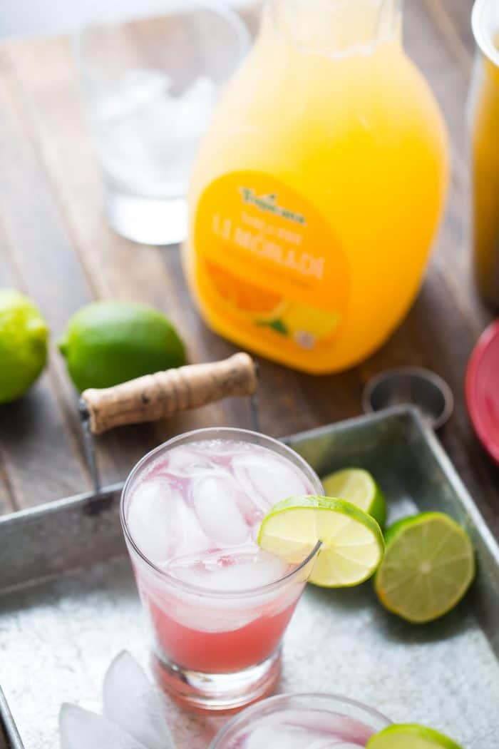 Want to cheer up your weekends? This twist on two classic cocktails will do just that!