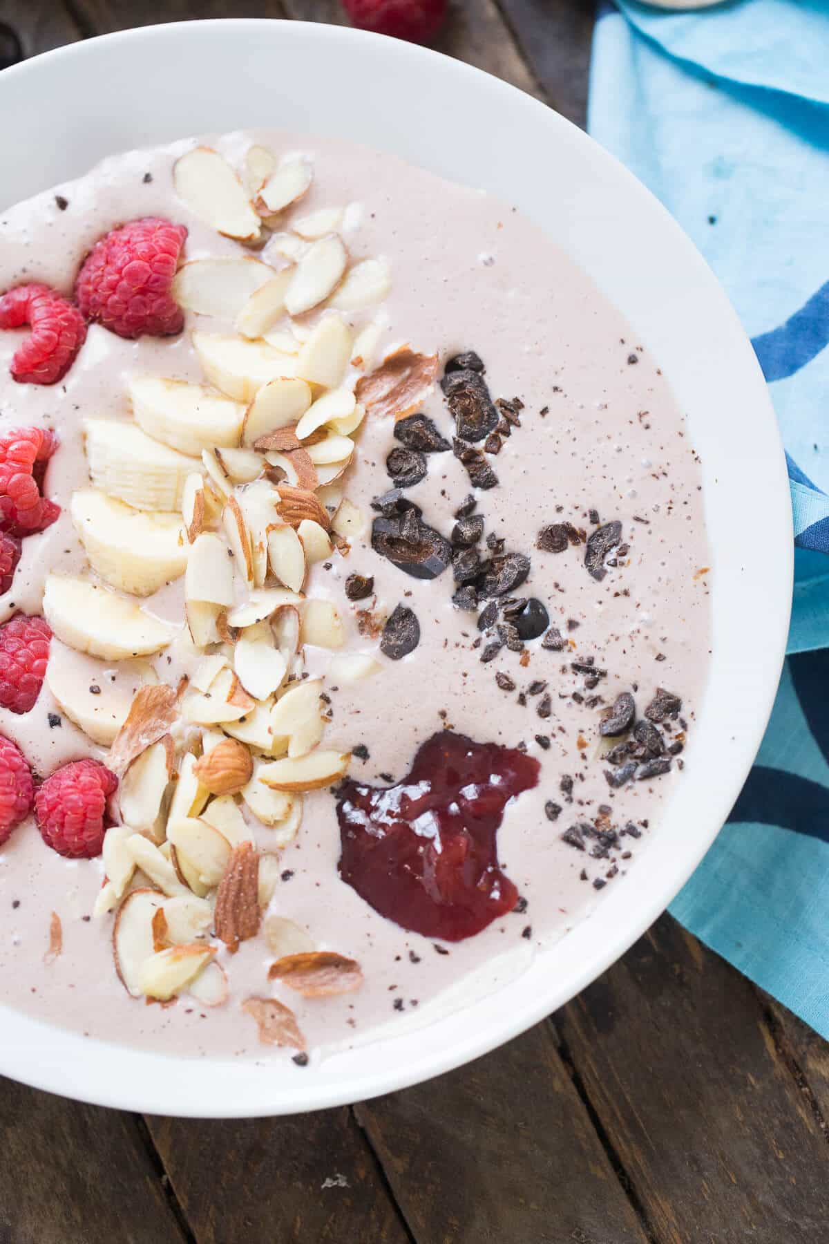 This smoothie bowl is a great way to get going in the mornings! Fresh fruit and a hint of mocha make this bowl taste amazing!