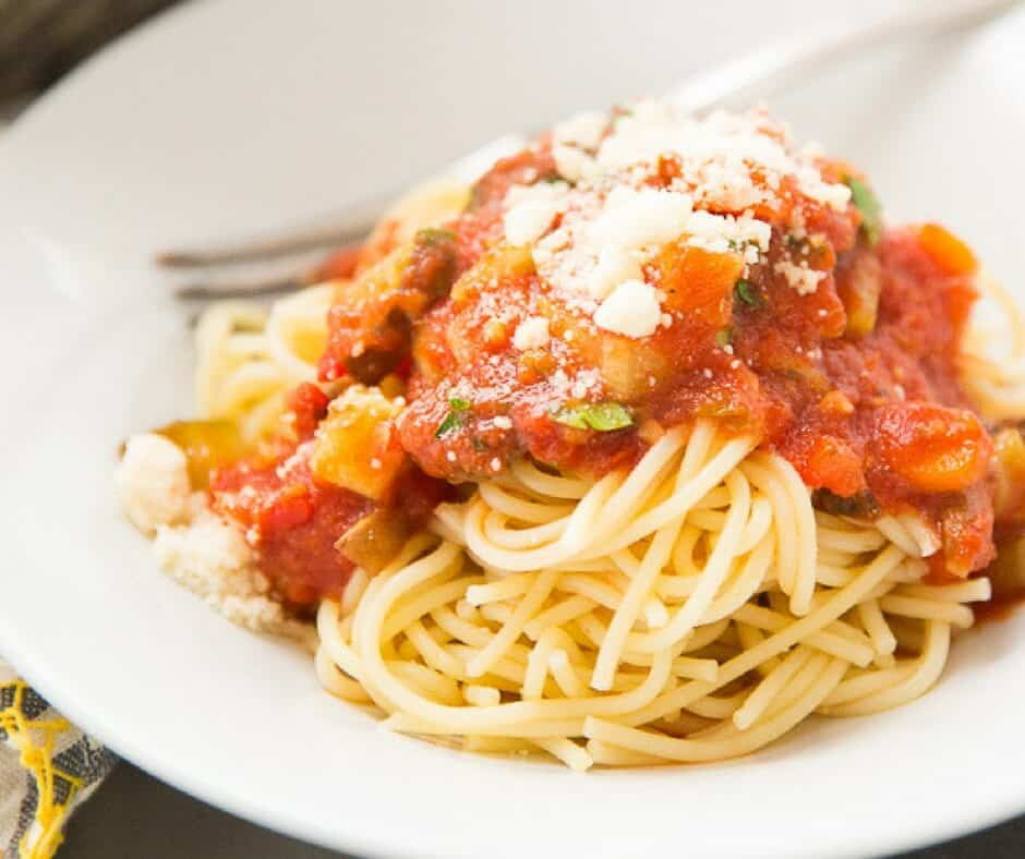There is something extremely comforting about a good bolognese sauce. It is a hearty sauce, that is filling and feels so satisfying. This vegetarian version has wholesome goodness and unbeatable flavor!
