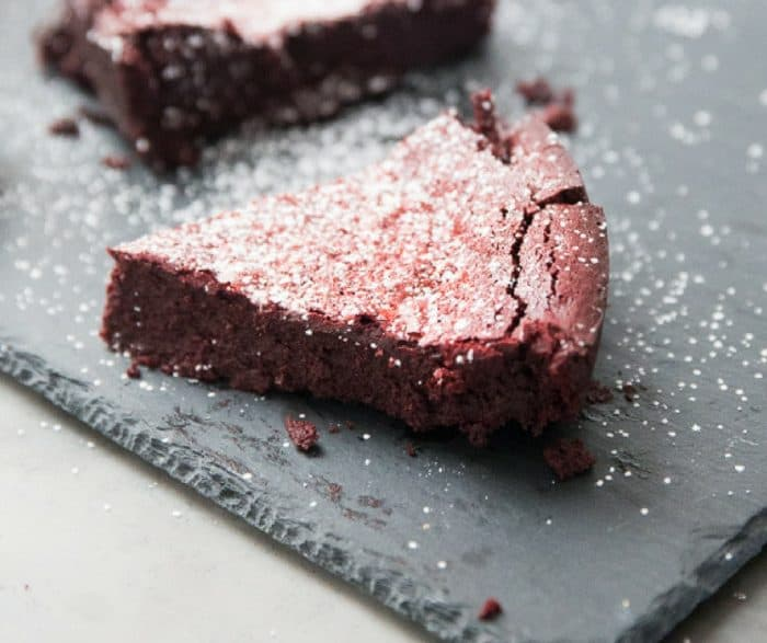 How to make chocolate flourless cake