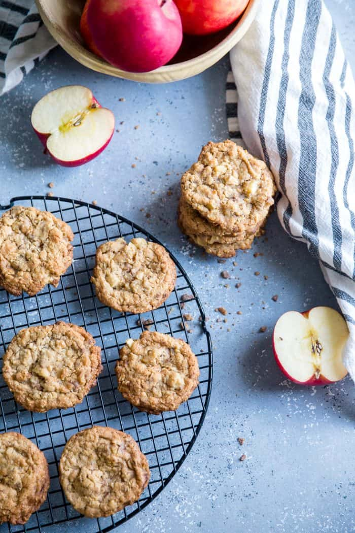 apple oatmeal cookies with halved apples
