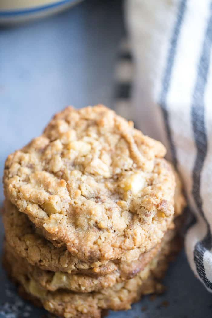 apple oatmeal cookies close up