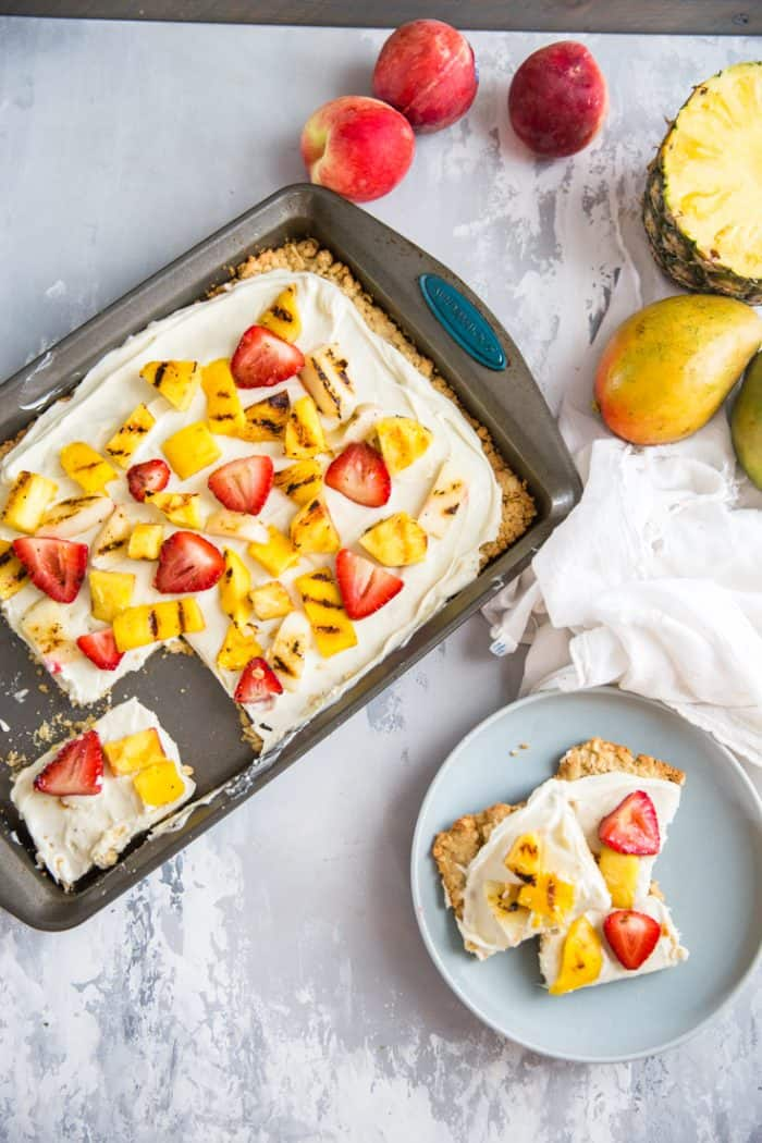 fruit pizza recipe with a slice on the side