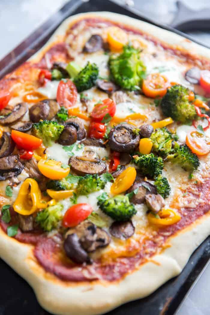 veggie pizza black pan