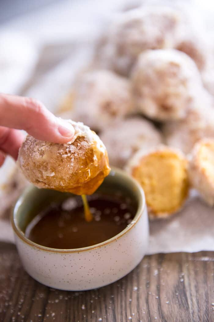 fritters with caramel sauce