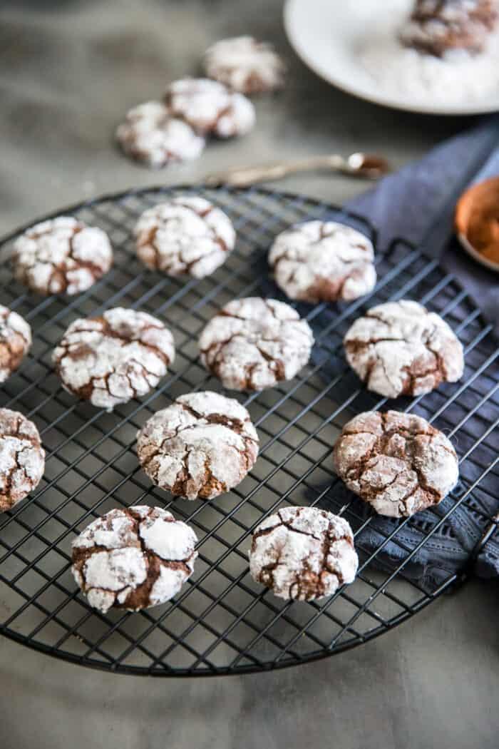 chocolate crinkle cookies rack